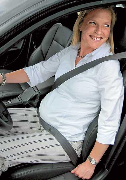 Как в машине пристегиваться беременным в машине 32