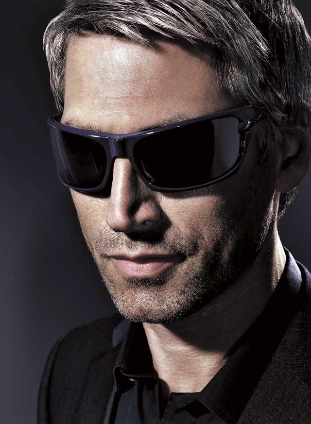 фото крутой парень в темных очках помогут