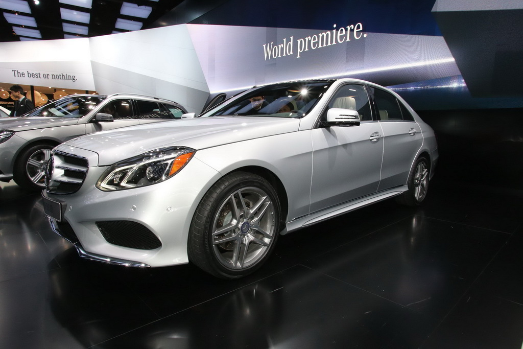 Автошоу в Детройте 2013: дефиле Mercedes-Benz E-Class ...