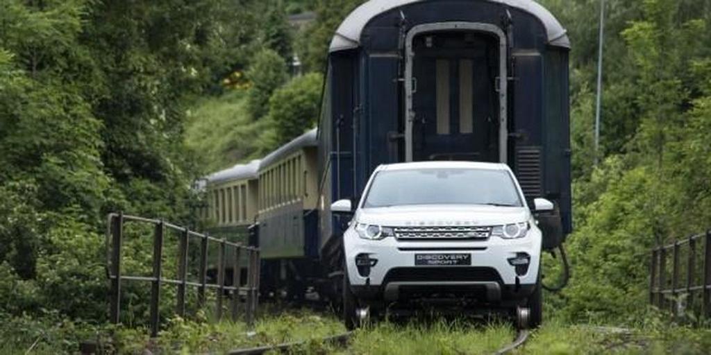 Land Rover Discovery Sport потянул 100-тонный «прицеп»
