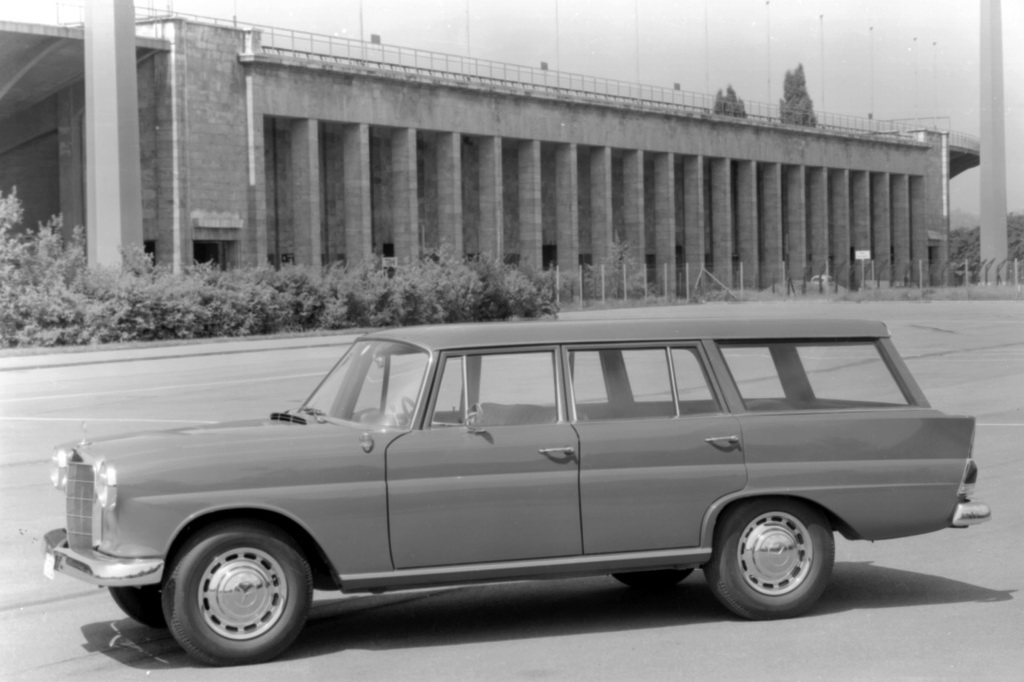 Mercedes-Benz 190 Dc Universal were built from 1965 at IMA in Belgium.
