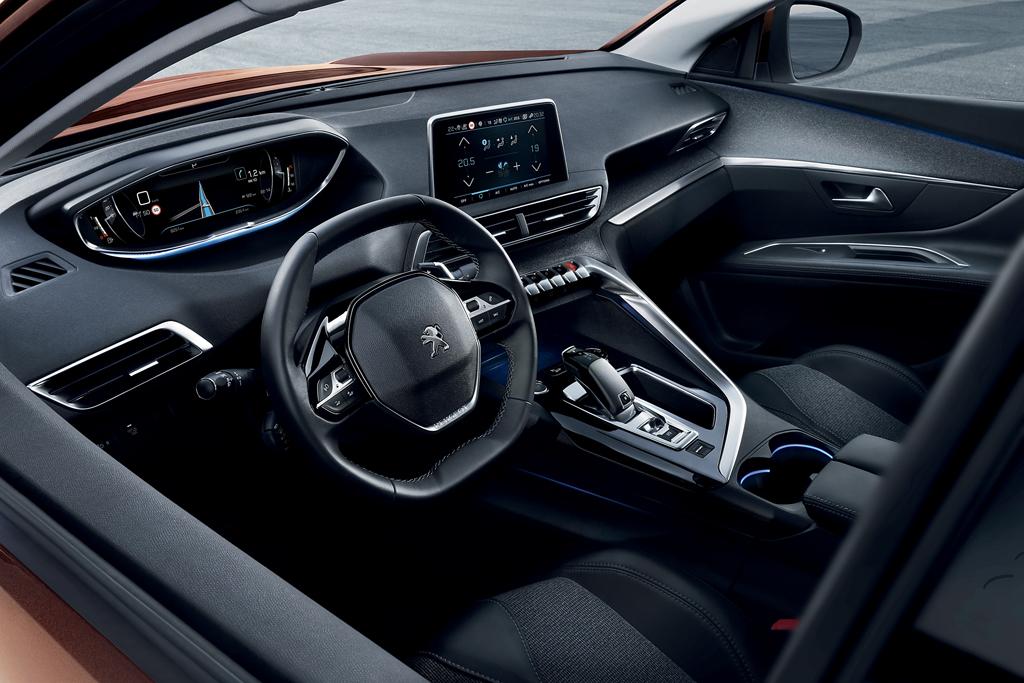 новый Peugeot 3008