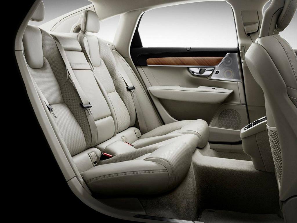 новое Volvo S90