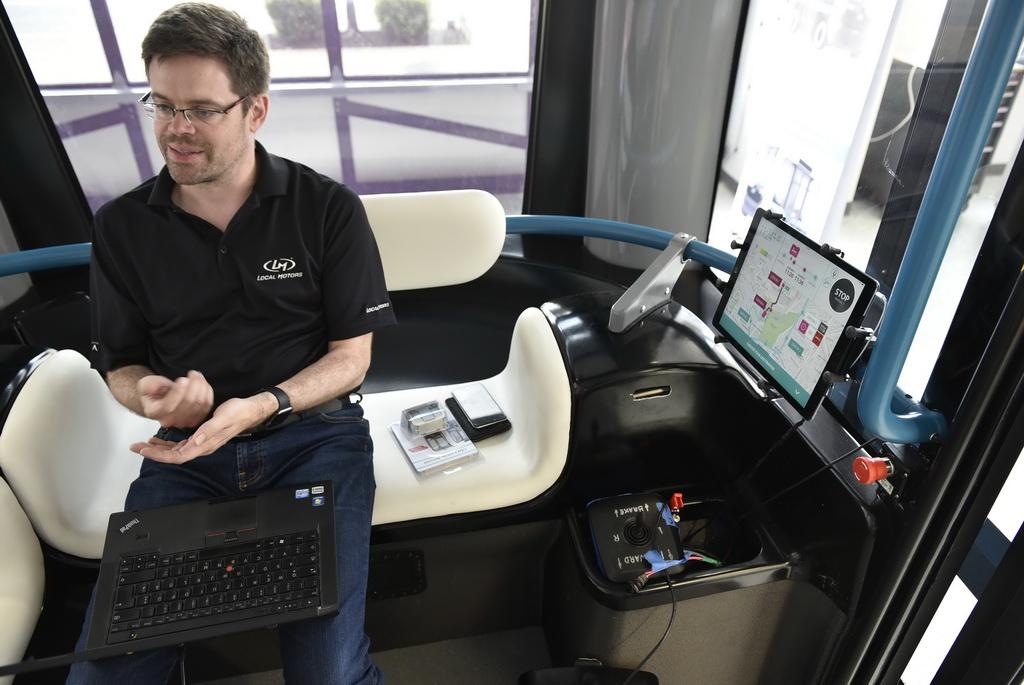 Автономный микроавтобус Olli