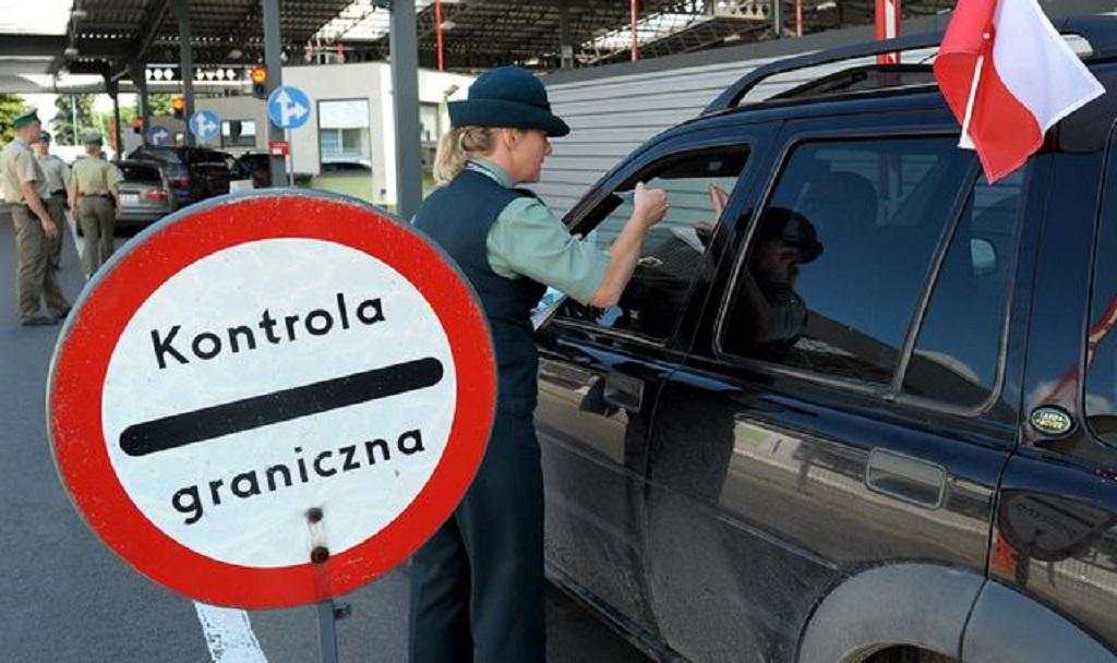 Польша приостанавливает малое пограничное движение с Украиной