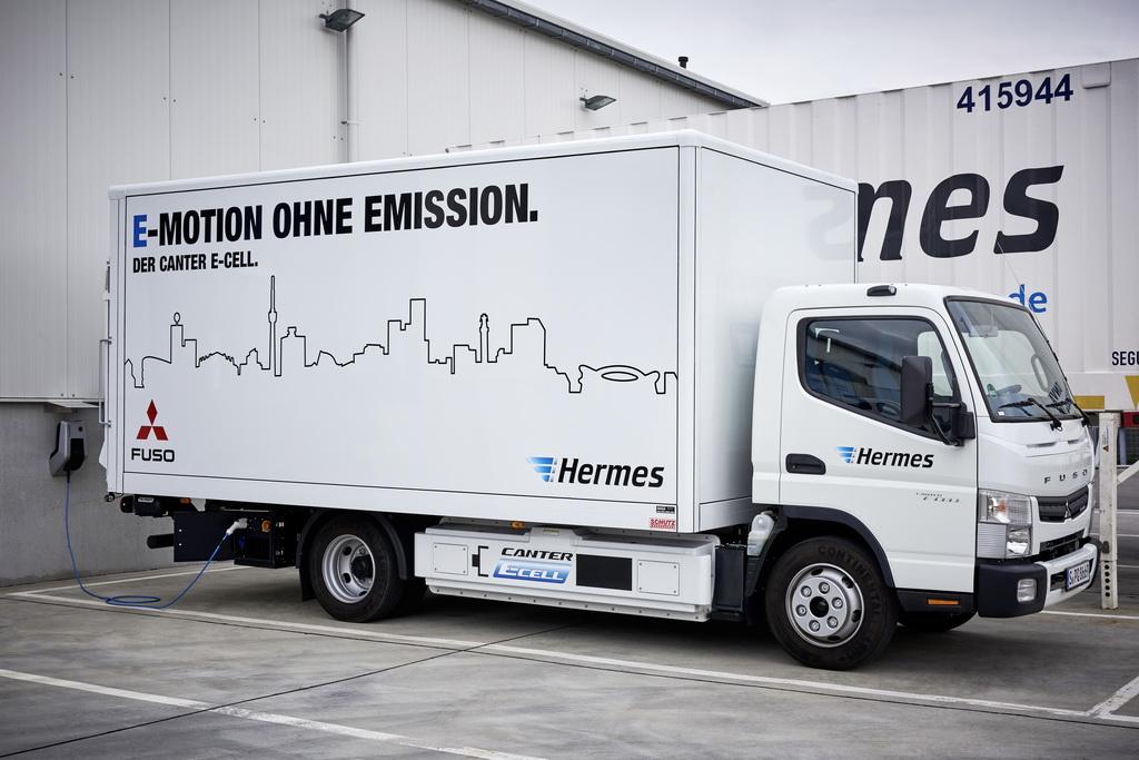 Fuso Trucks; Fuso Canter E-Cell im Flottentest; voll-elektrischer Leicht-Lkw; lokal emissionsfreier Antrieb; Hermes; Stadt Stuttgart ; Fuso Trucks; Fuso Canter E-Cell fleet trail; all-eletric light-duty; locally emission-free drive truck; Hermes; Stuttgart;