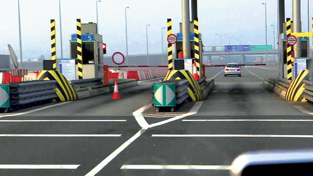 Завтра Рада рассмотрит важные законопроекты в сферах парковки и дорог