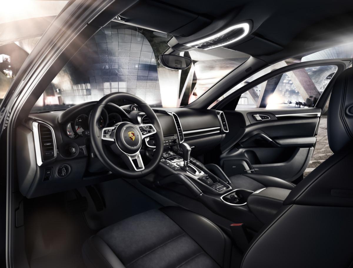 Cayenne Platinum Edition Interior