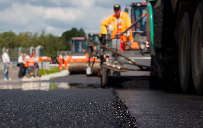 На ремонт дорог в 2017 году выделят 20 млрд. гривен