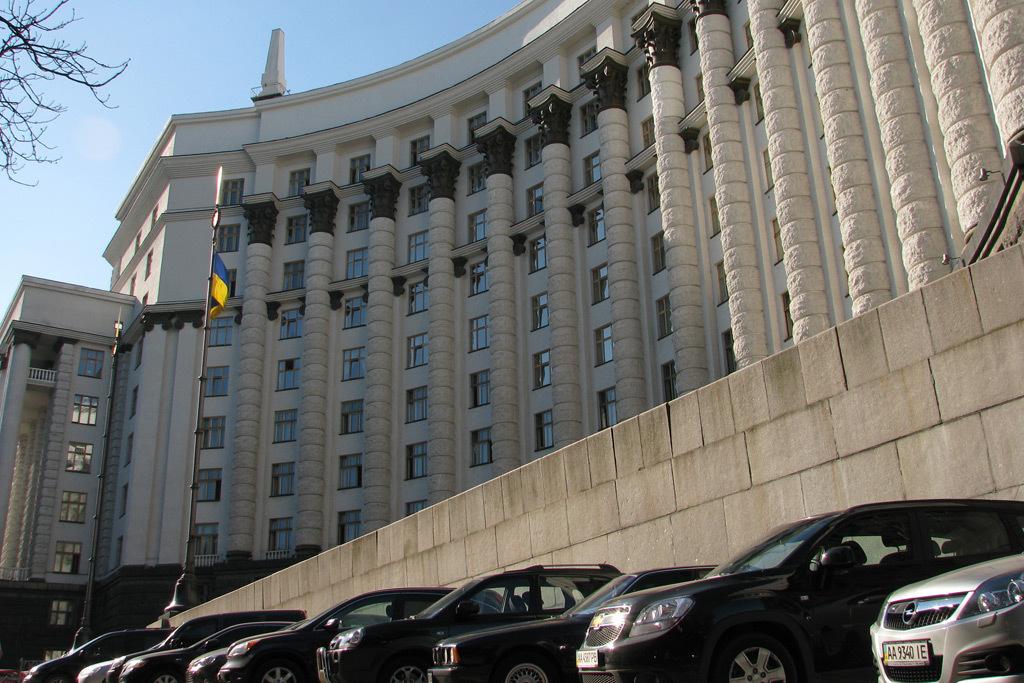 Е-декларирование в Украине: автомобили правительства (поименно)