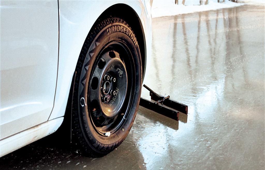 Шипованные шины для авто малого класса