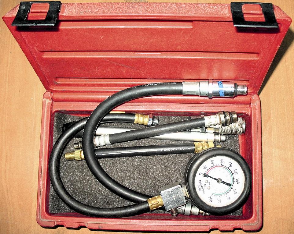 Манометр необходим для измерения давления в штатной топливной (бензиновой) рейке. Падение давления в бензиновой системе питания может спровоцировать больший расход газа.