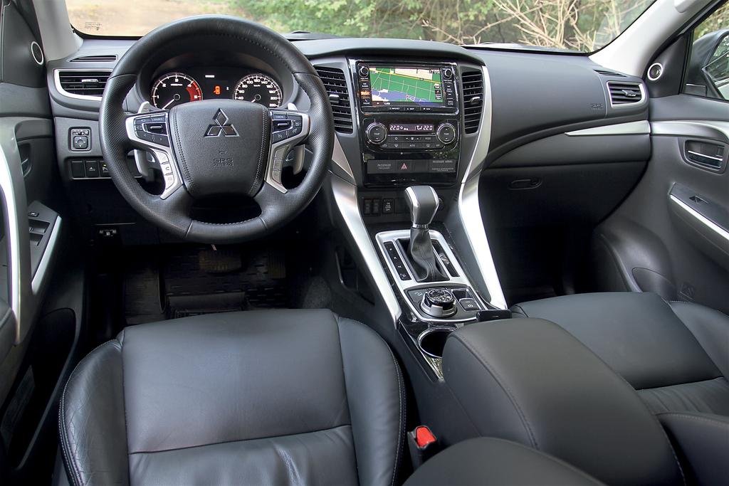 Mitsubishi Pajero Sport III