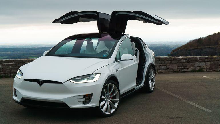 Электромобили Tesla будут обновлять ежегодно