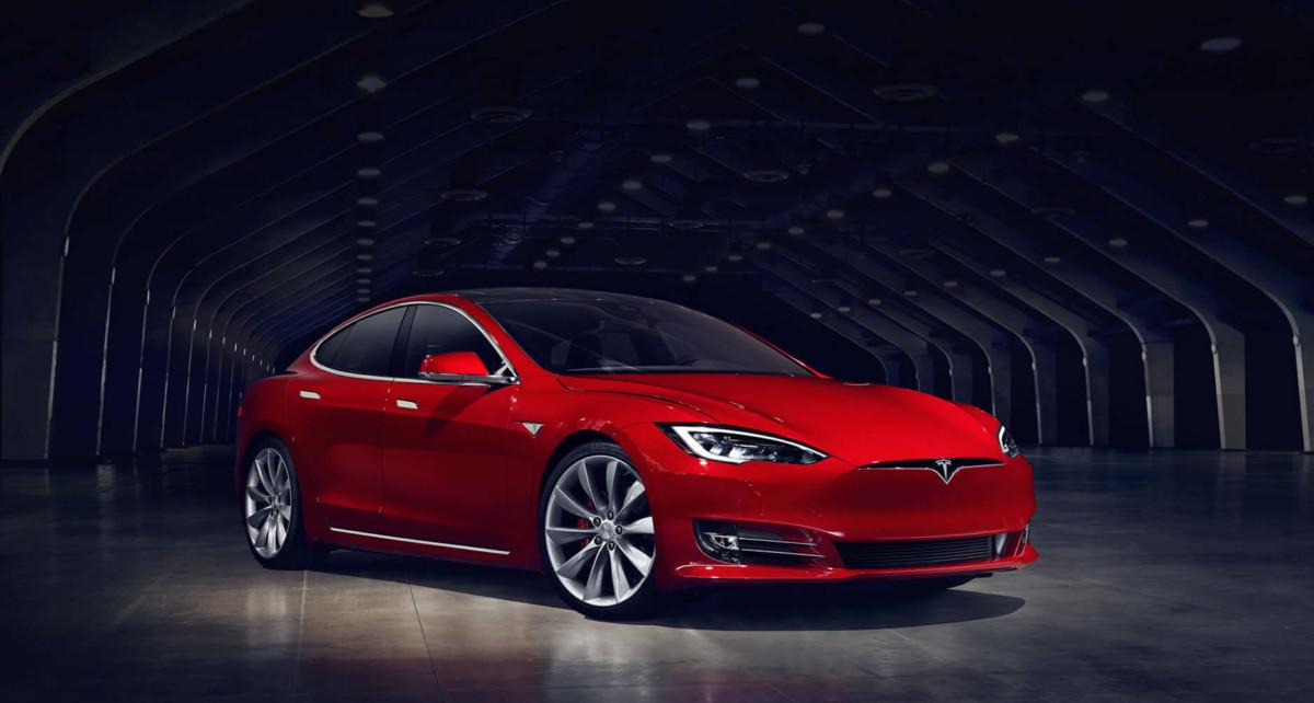 Tesla Model S стала самым популярным представительским авто в Европе