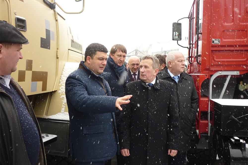 Владимир Гройсман посетил ПАО «АвтоКрАЗ»