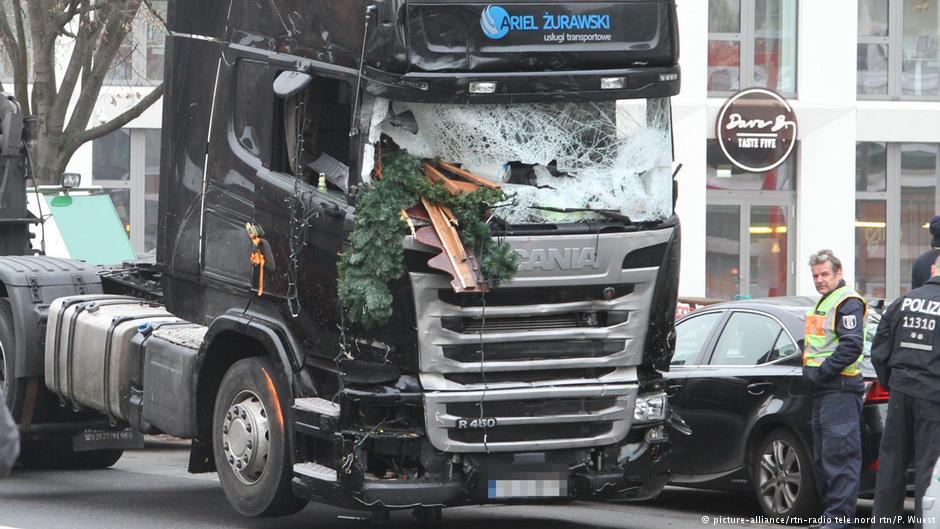 Теракт в Берлине: грузовик остановила система автоматического торможения