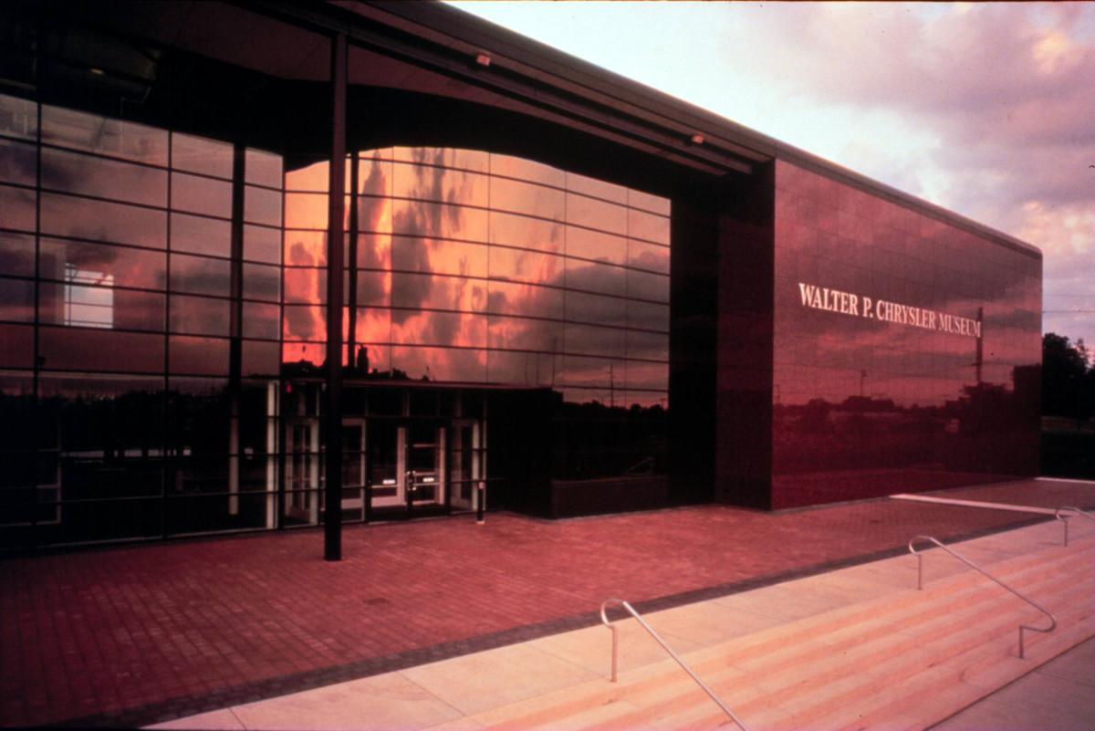 В США закрывают один из лучших автомобильных музеев мира