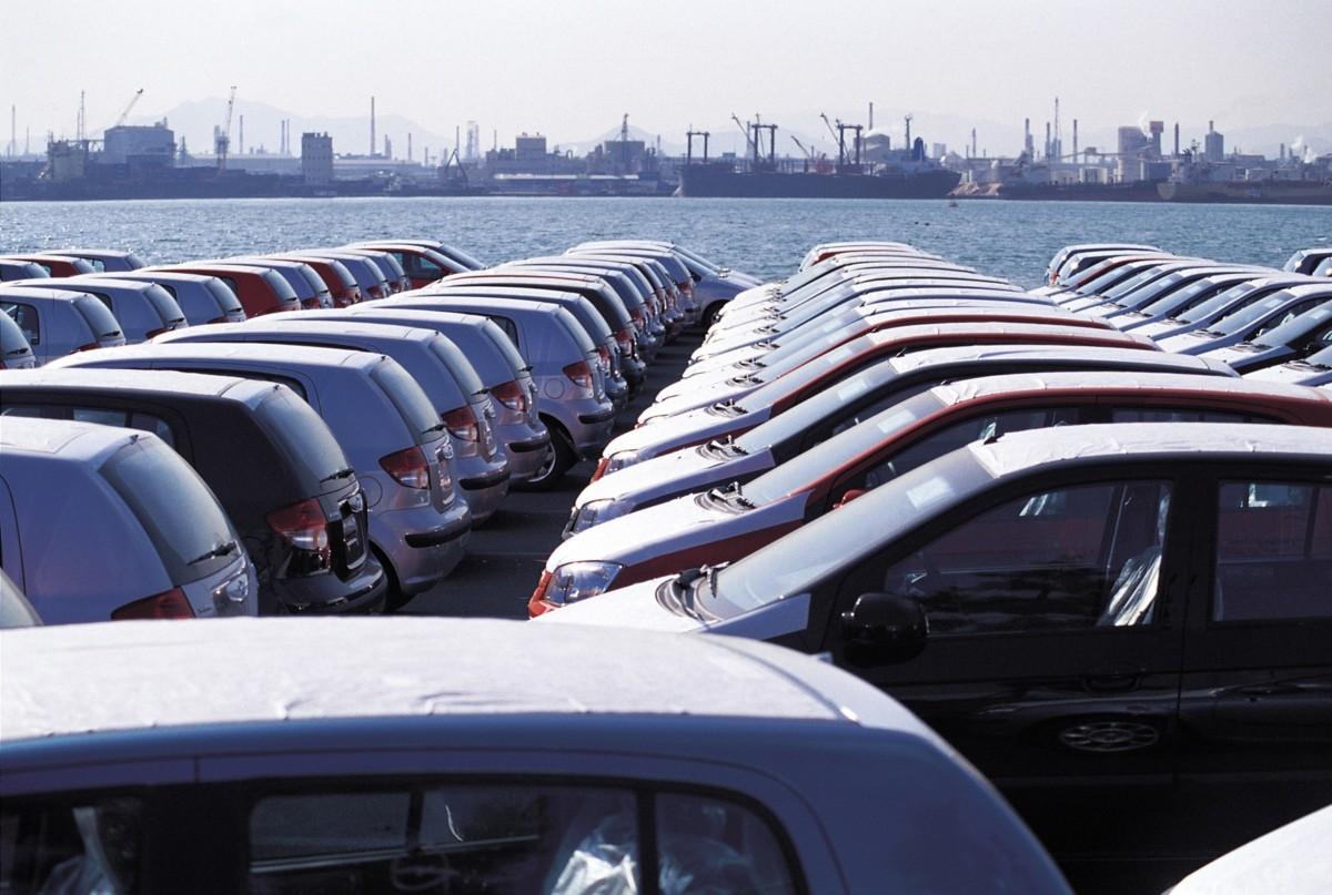 Пошлины на импорт автомобилей подымут: Кабмин дал добро