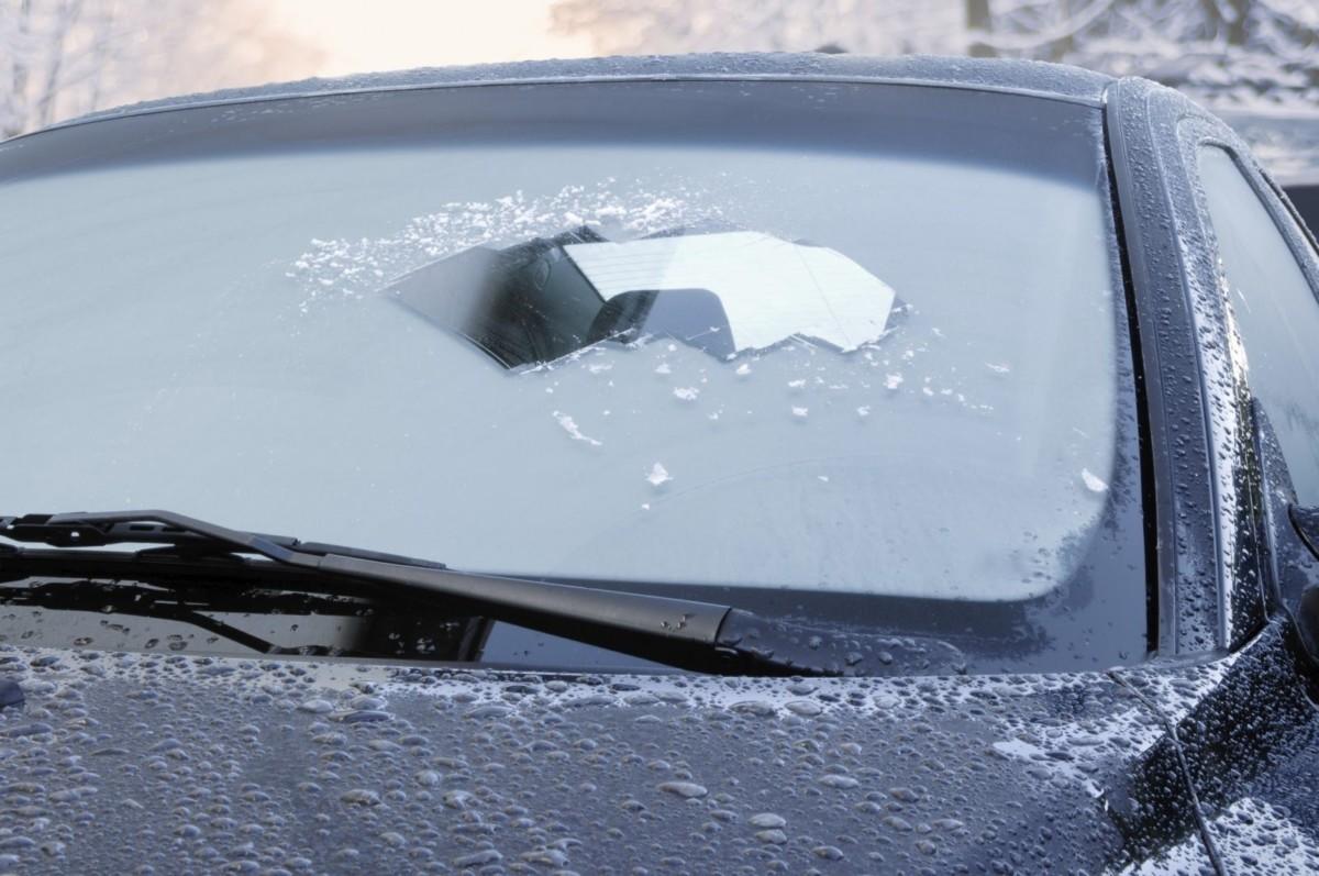 led-na-stekle-avtomobilya