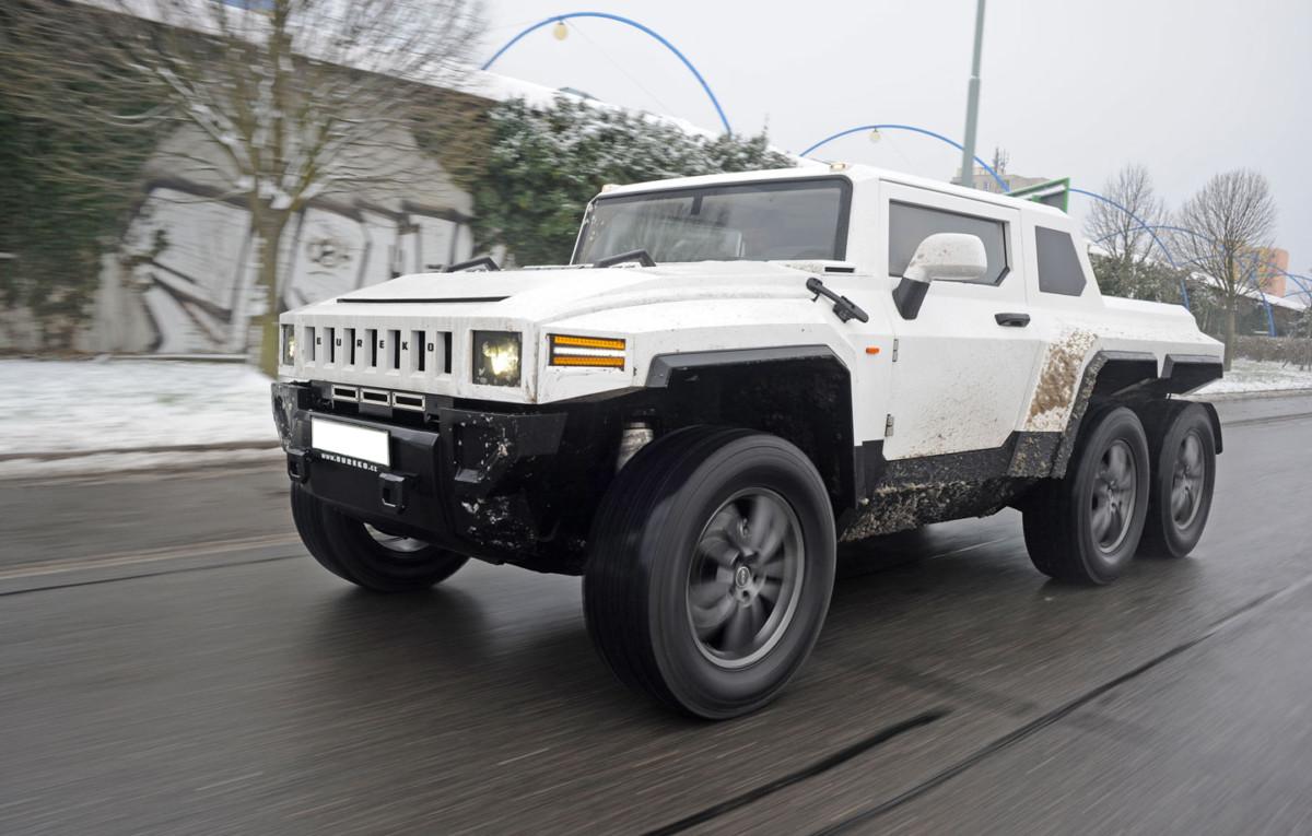 В Чехии создали шестиколесный пикап Hummer H2