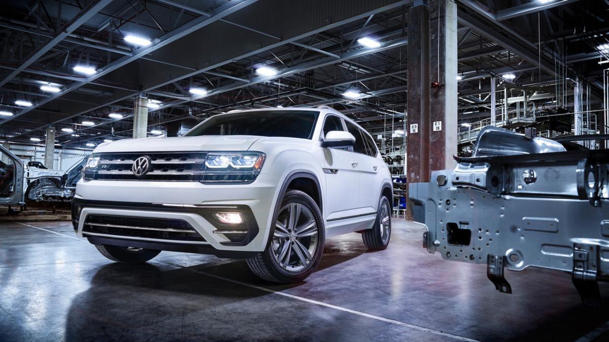 Кроссовер Volkswagen Atlas R-Line – первые фото