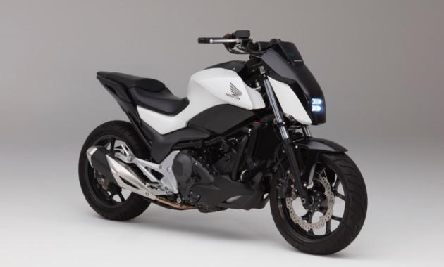 Новый мотоцикл Honda сам поддерживает равновесие