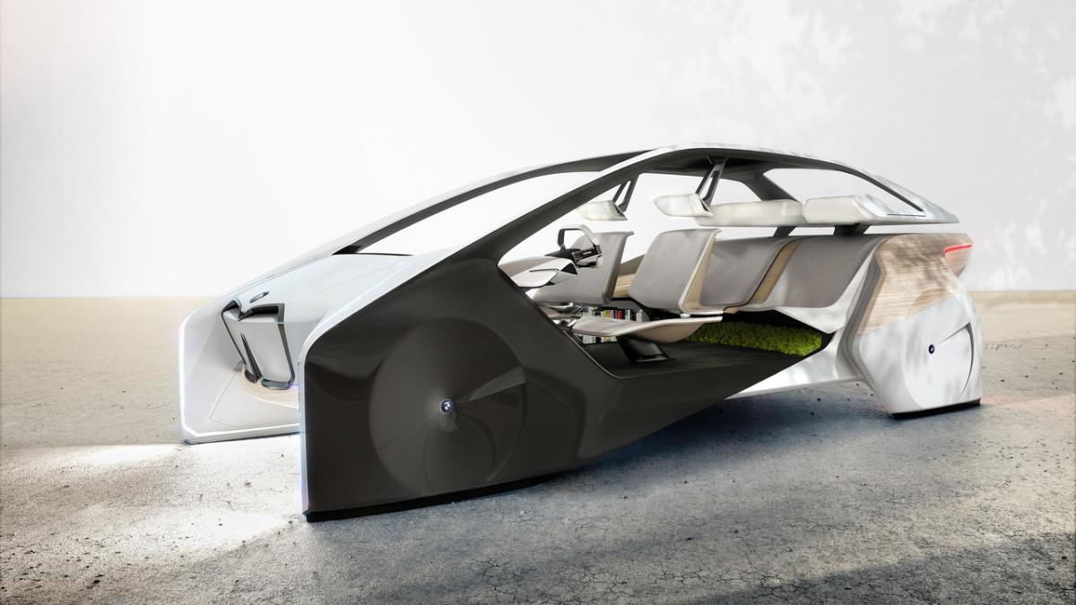 Концепт-кар BMW i Inside Future продемонстрировал интерьер будущих БМВ