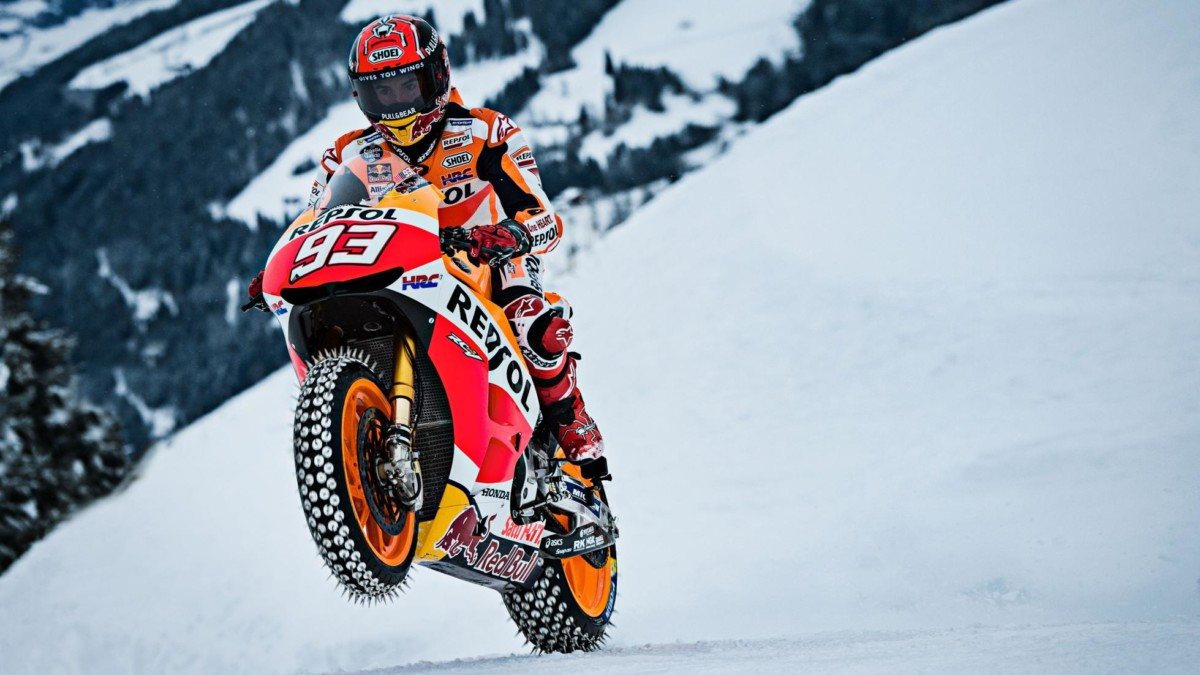 Как ездить на мотоцикле зимой – мастер-класс от чемпиона мира
