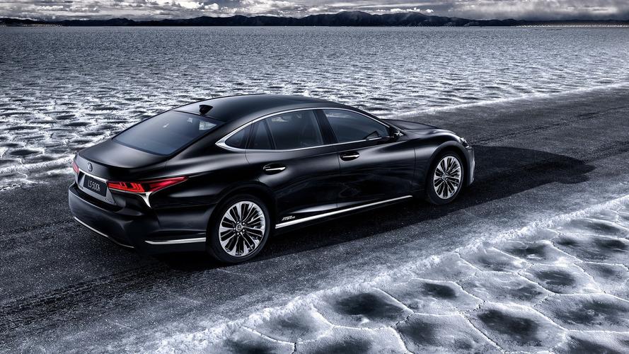 Гибридный седан Lexus LS 2018 представят в Женеве