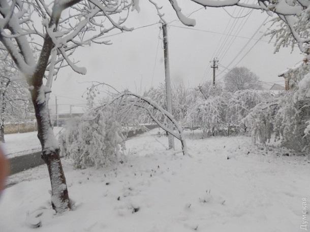 Снегопады в Украине: трасса Киев-Одесса частично перекрыта