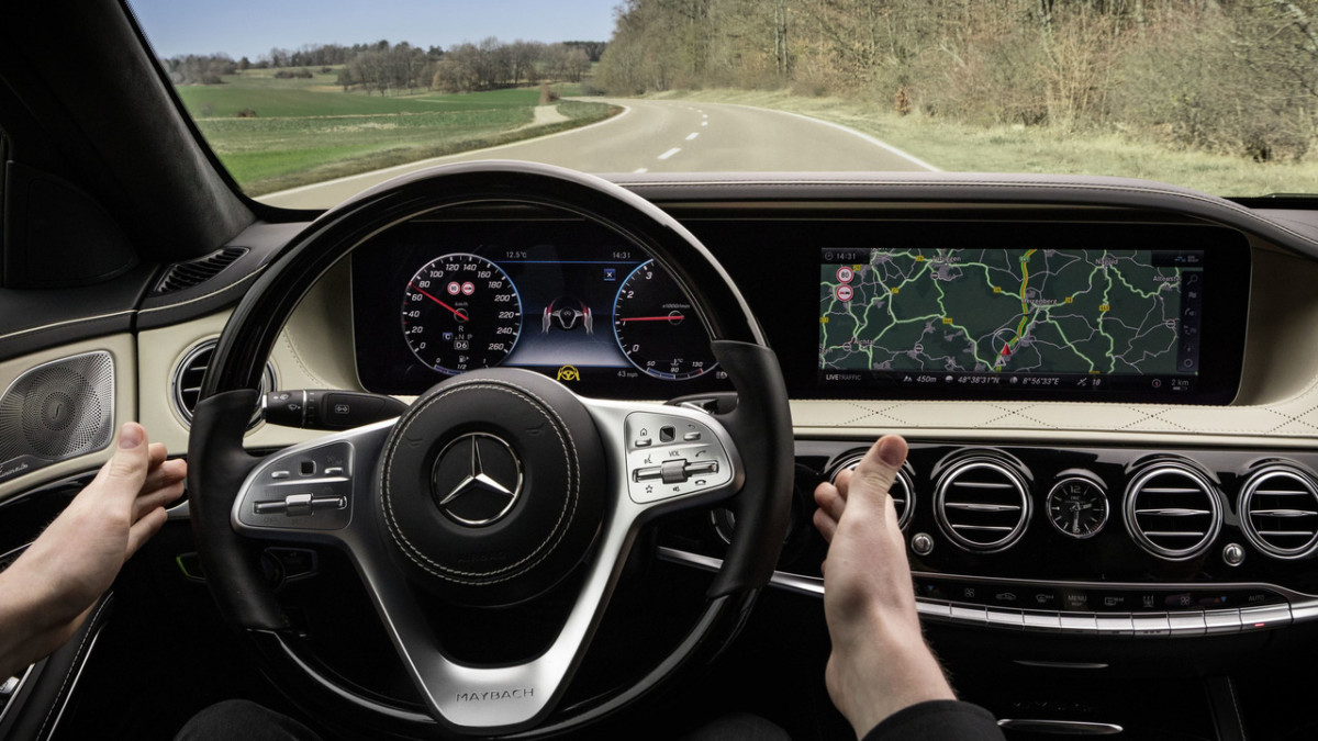 Mercedes-Benz S-Class 2018: новые фото обновленного седана Мерседес