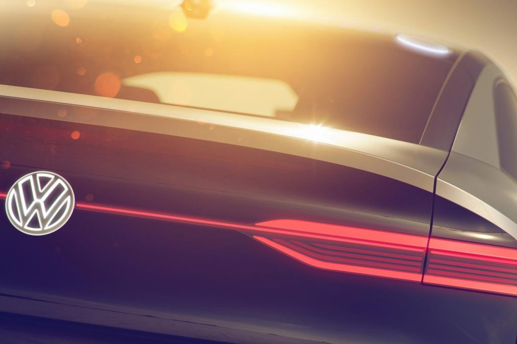 Volkswagen I.D. Crozz: первые фото электрокроссовера Фольксваген