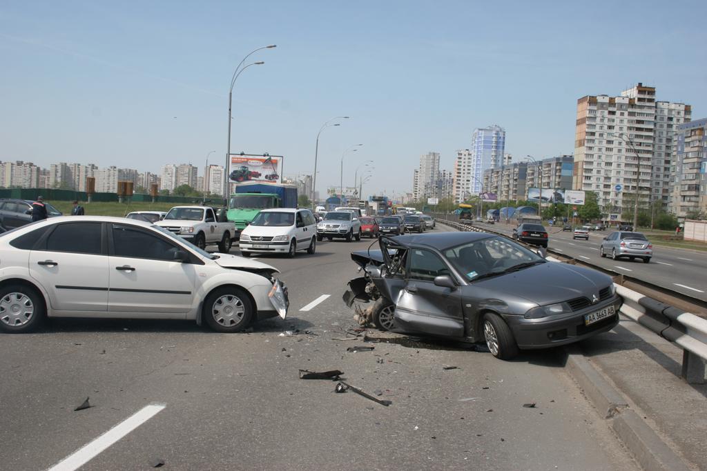 Украинцы недовольны безопасностью дорожного движения – исследование