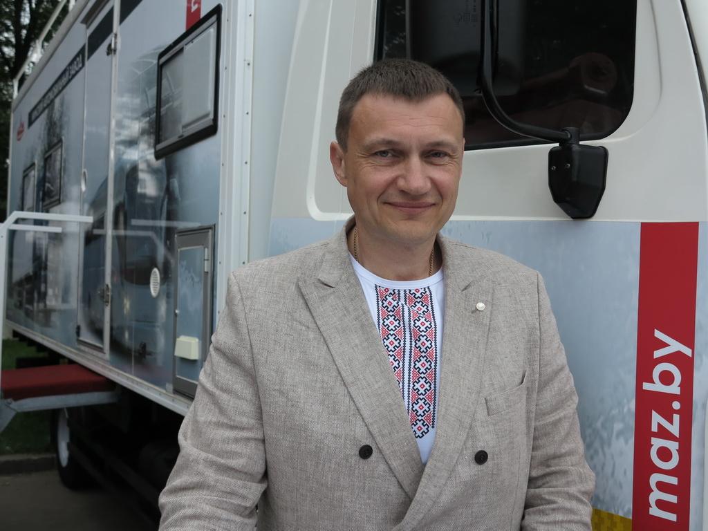 Виталий Чернявский -начальник отдела Управления продаж грузовой техники