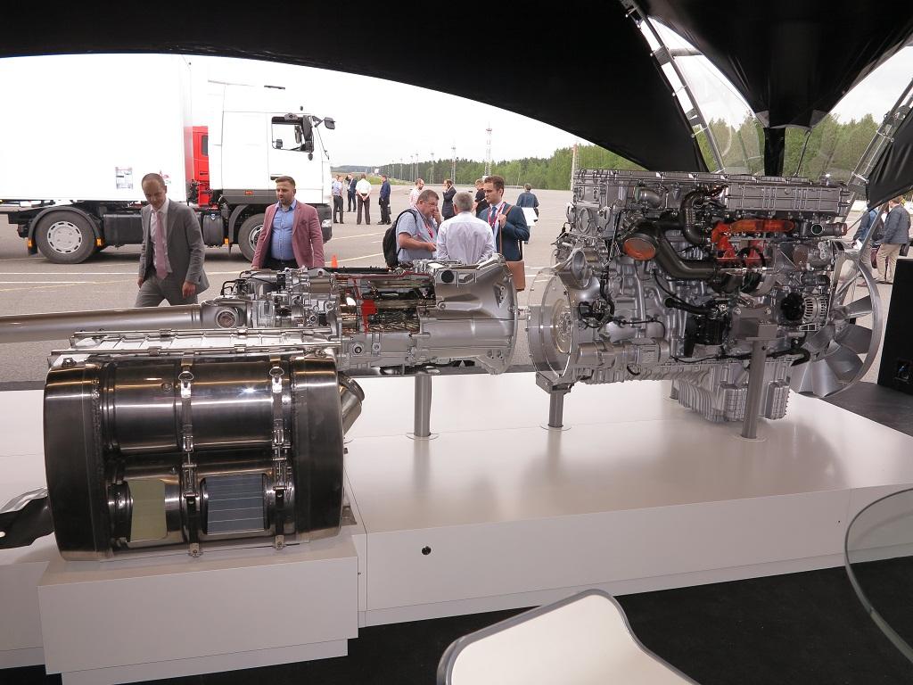 Интегрированный силовой агрегат Mercedes-Benz