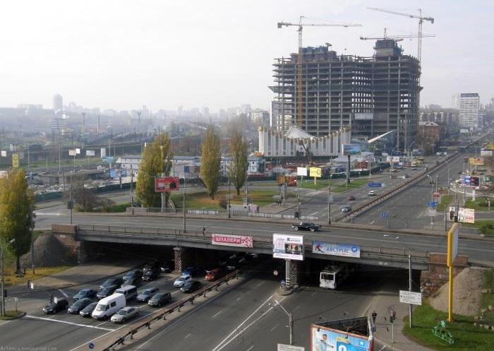 В Киеве сегодня перекроют две важные транспортные магистрали