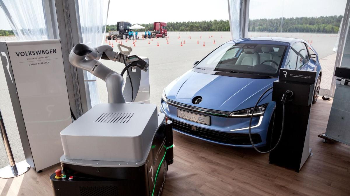 Концепт Volkswagen Gen.E показал, каким будет новый Фольксваген Гольф