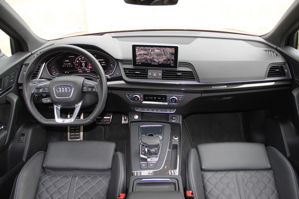 Салон Audi SQ5 2017