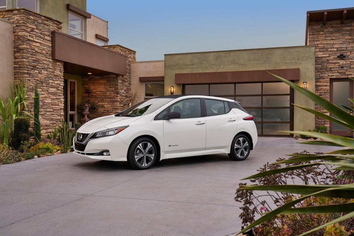 Новый Nissan Leaf 2018 пользуется рекордным спросом