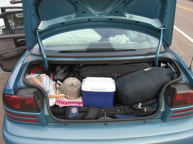 Почему важно не загромождать багажник авто