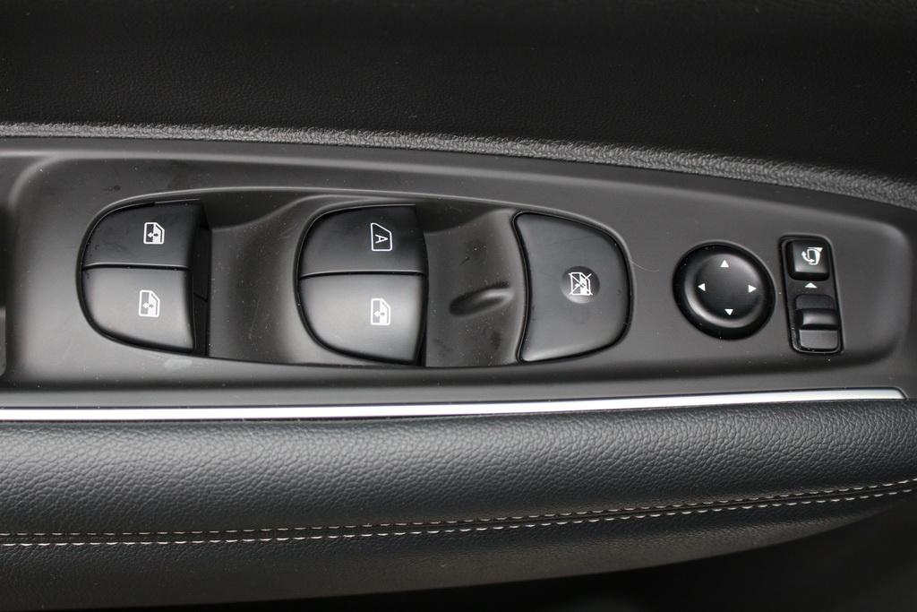 Оснащение Renault Koleos 2017