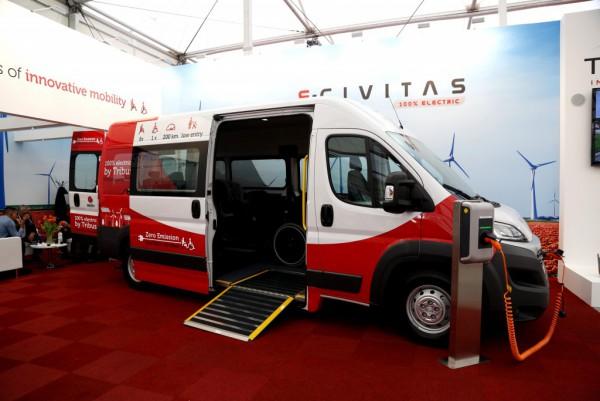 e-CIVITAS с низким уровнем пола и рампой для инвалидных колясок