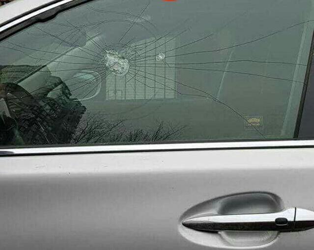 обстреливают машины