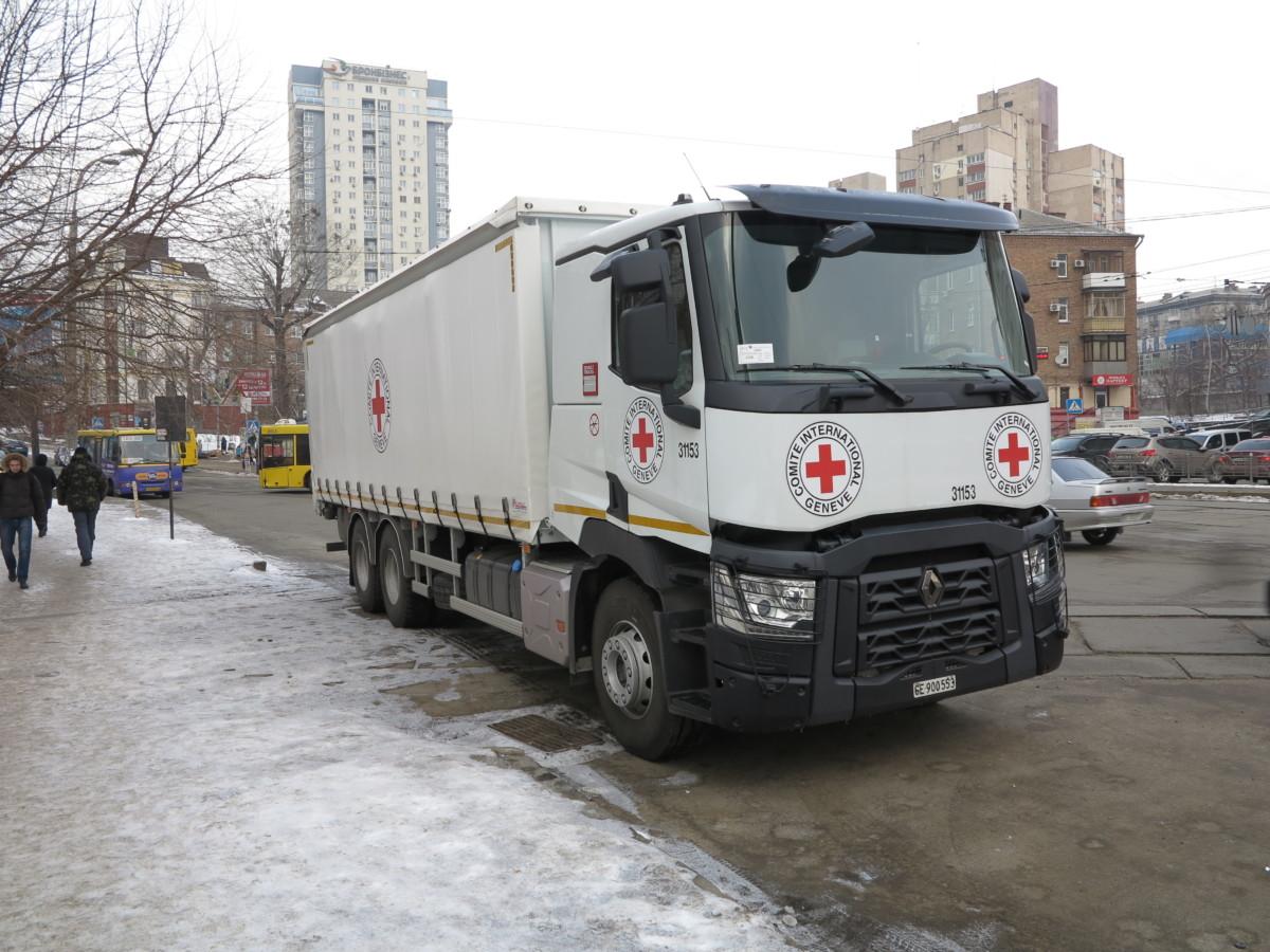 Грузовик Международного комитета Красного Креста - Renault Trucks C380 6х4