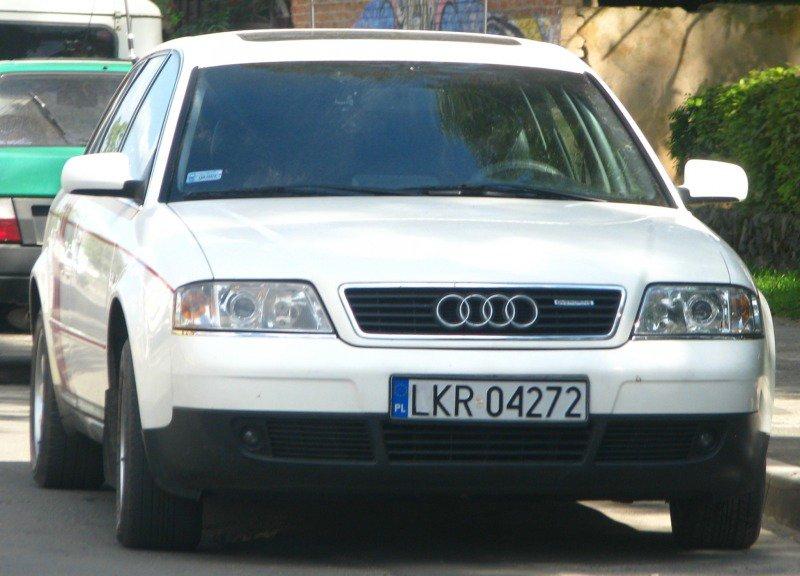 В Польше раскрыты махинации с авто на еврономерах для Украины