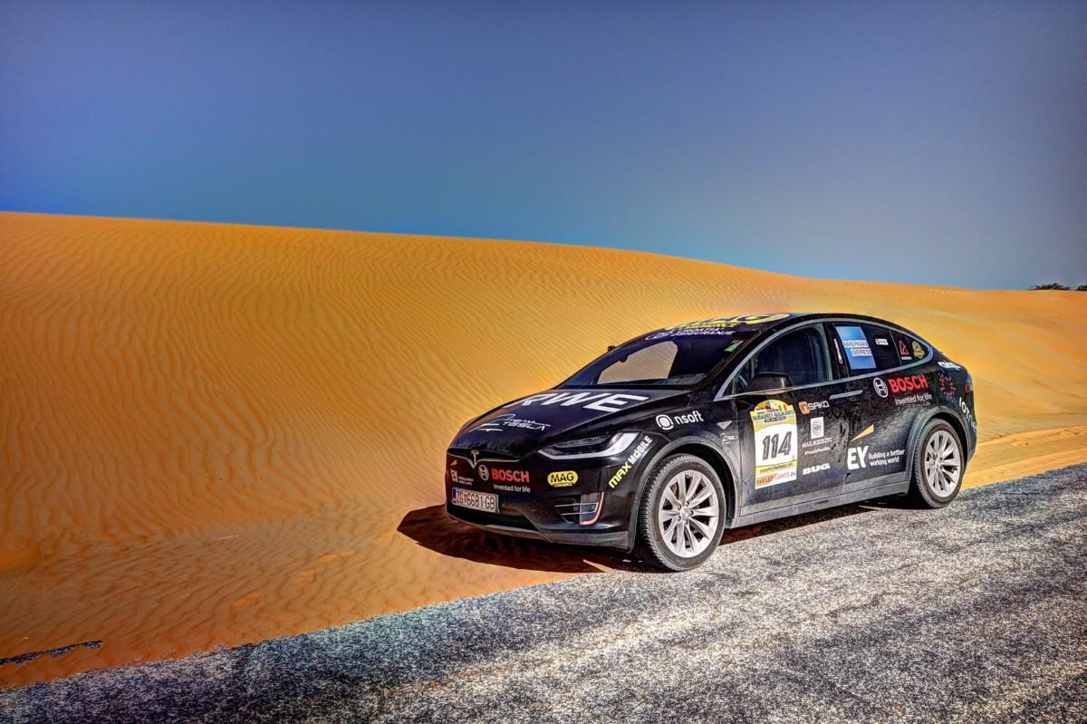Электромобиль впервые пересек пустыню Сахара
