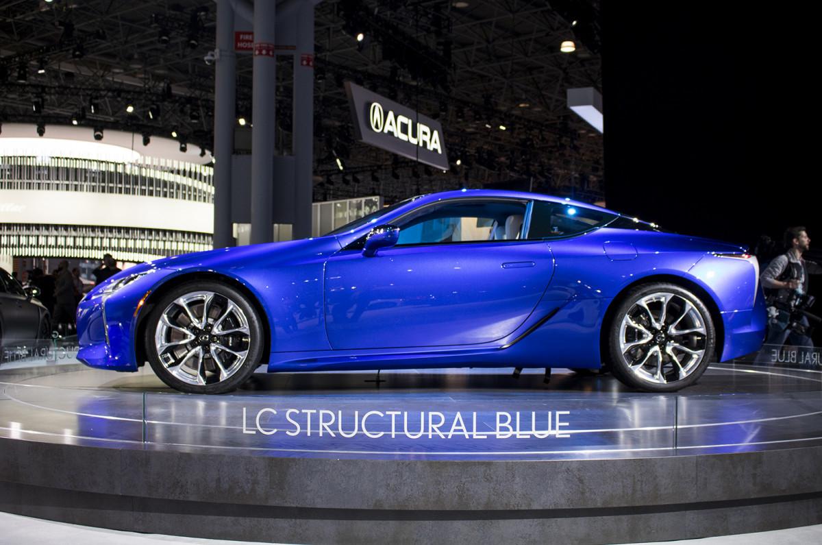 цвет автомобилей - Structural Blue Lexus