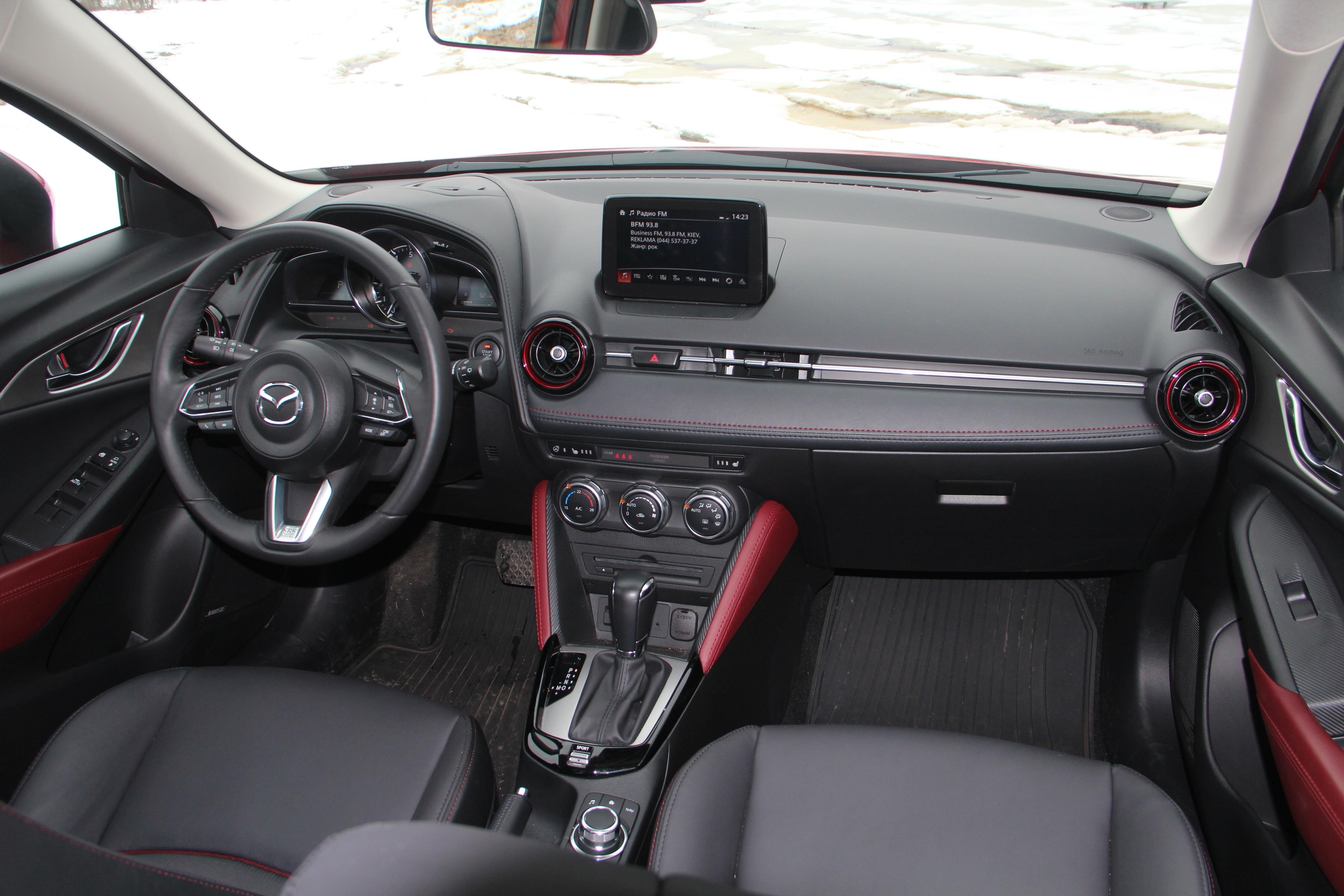 Интерьер Mazda CX-3