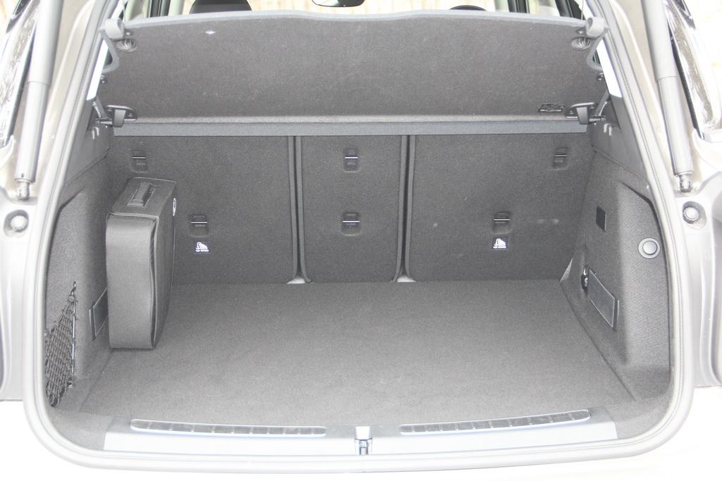 Багажник гибридного MINI Cooper S E